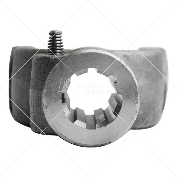 Вилка AP.A-630 на 8 шлицов (8*32*35) на крестовине 39*118 (ЗИЛ): Концевые вилки для карданов от